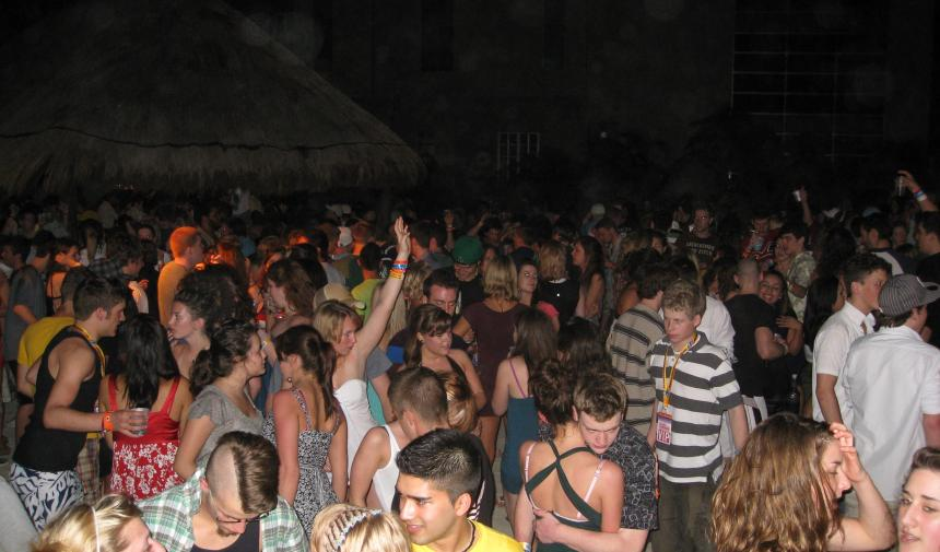 a group of high school students dancing while on Spring break in Riviera Maya